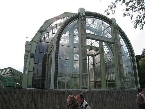 栽培用の温室を自作しよう!小型ビニルハウスのDIY方法をご紹介!
