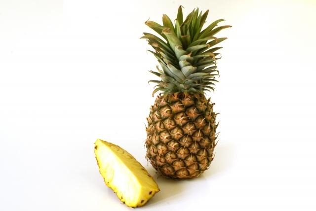 パイナップルのヘタを挿し木して増やす方法!栽培のコツも併せて解説!