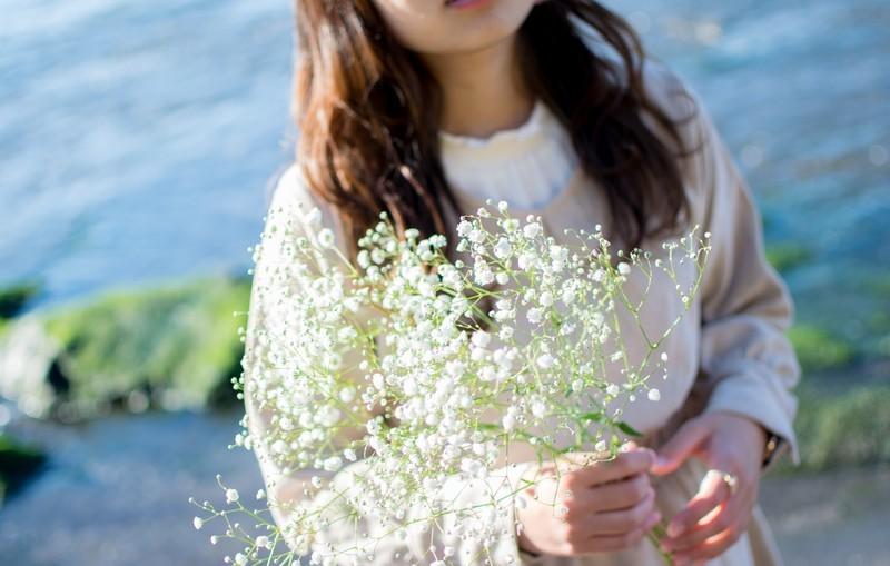 「幸せ」の意味・花言葉をもつ植物12選!お祝いにも喜ばれる花は?