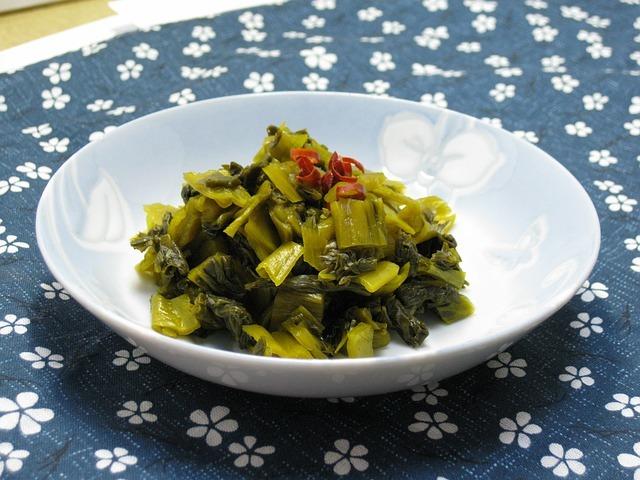 「高菜」ってどんな野菜?種類や特徴から美味しい食べ方までご紹介!