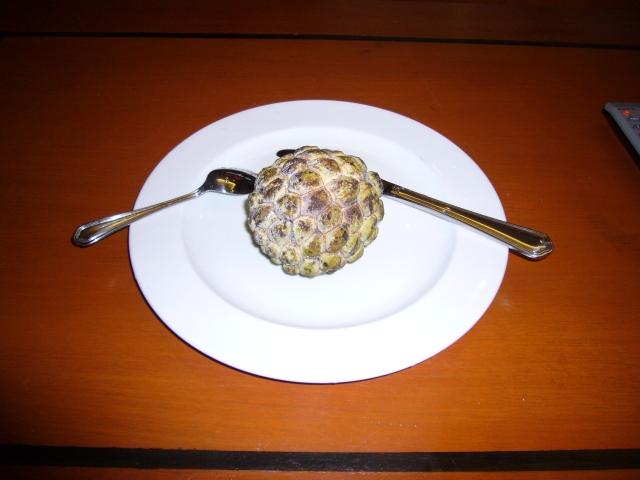 チェリモヤとは?世界三大フルーツといわれる果実の特徴や食べ方を紹介!