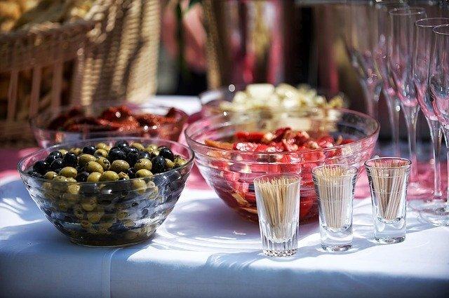 オリーブの実の食べ方3選!塩漬けの仕方などおいしく食べるコツを解説!