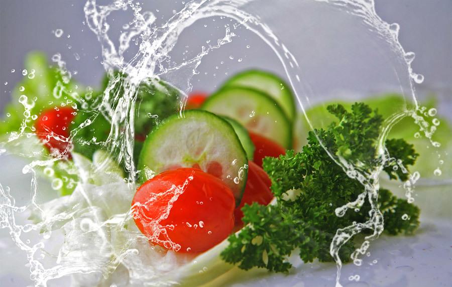 野菜の水切りに使える人気グッズ6選!水切りでサラダの質も変わる?