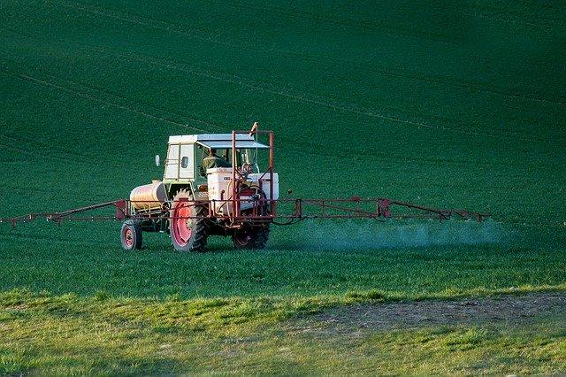 除草剤の上手な散布方法とは?正しく安全に使うためのポイントを解説!