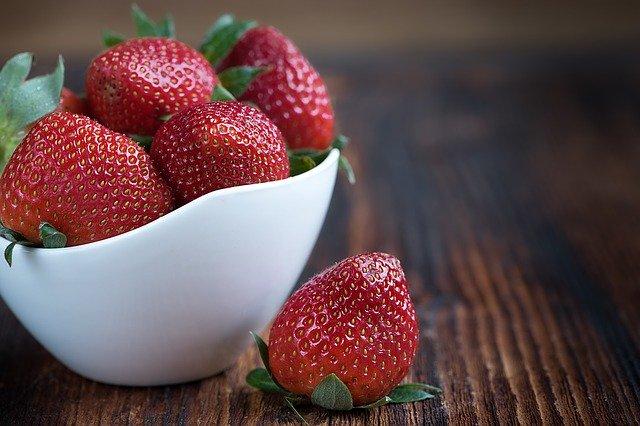 「四季なりイチゴ」とは?おすすめの品種や収穫までのポイントを解説!