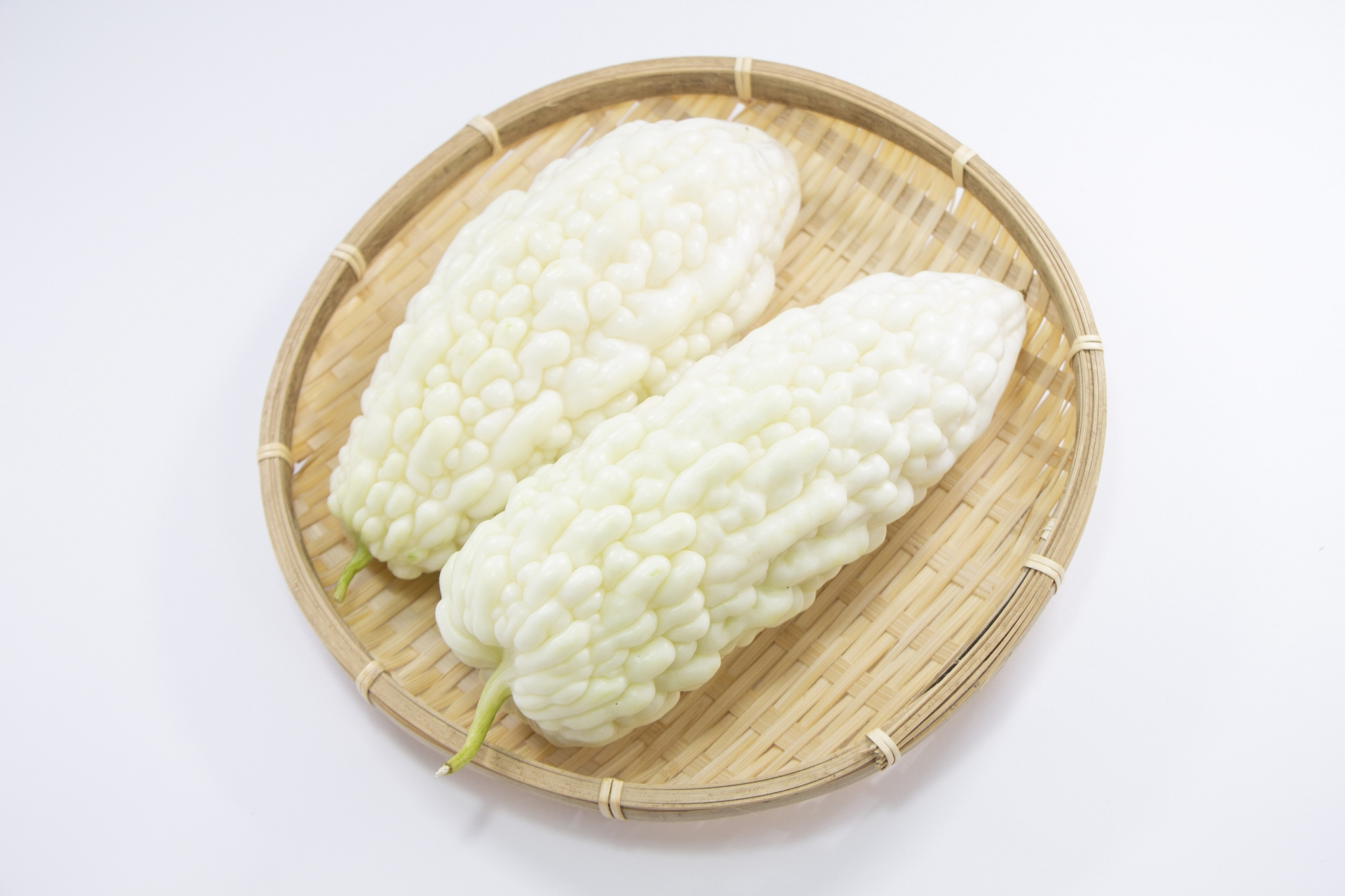 白いゴーヤって知ってる?普通のゴーヤとの違いやおすすめレシピを紹介!