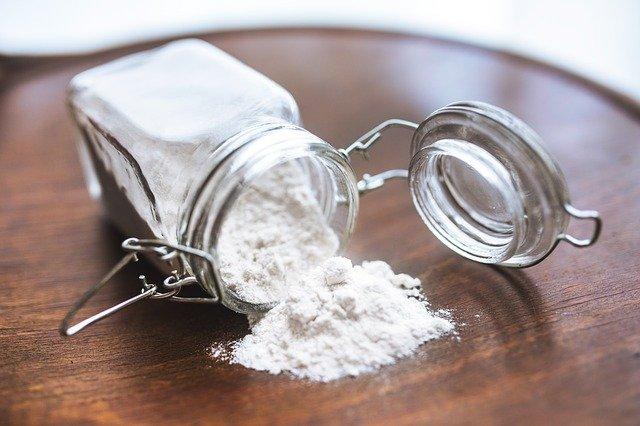 小麦粉の中にダニがわく?見分け方と寄せつけない予防・管理方法を解説!