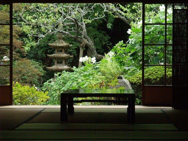 和風な庭を作り出す方法とは?取り入れるべき要素と実際の作り方をご紹介!