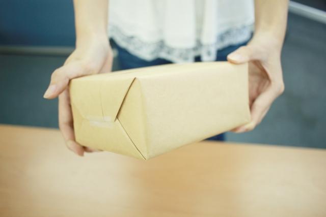 らくらくメルカリ便の梱包方法を解説!紙袋でも送れるか調べて