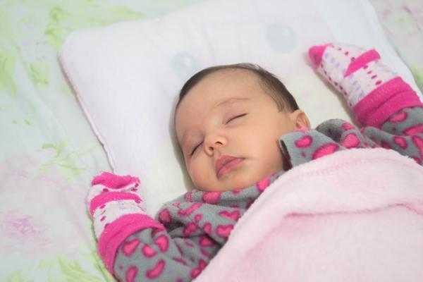 28537eac6844c 赤ちゃんの平熱は?熱の測り方や体温が高い・低い時の対処法も紹介 ...