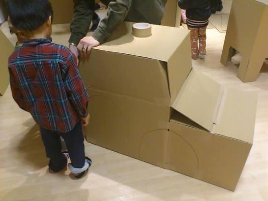 ダンボール工作アイデア60選!子供でも簡単に本格DIYが出来る?の