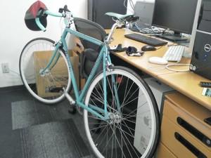 自転車(ロードバイク)を室内保管する方法!壁掛けの仕方などご紹介!