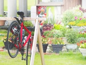 ロードバイクのスタンドは自作できる?DIYで室内置きする方法をご紹介!