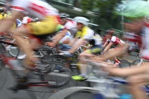 ロードバイクの適正体重ってどれくらい?重い人と軽い人どちらが有利?