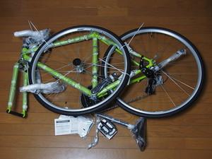 ロードバイク完成車の重さをご紹介!パーツ(素材別)の重量も各種解説!