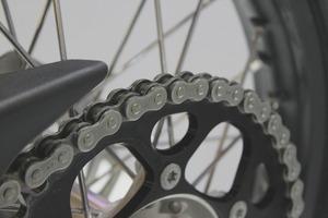 ロードバイクのチェーンオイル3選!各種の特徴やメリットを比較紹介!