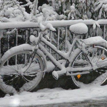 ワークマンの防寒パンツは暖かく快適?防風で自転車に乗る際も便利?