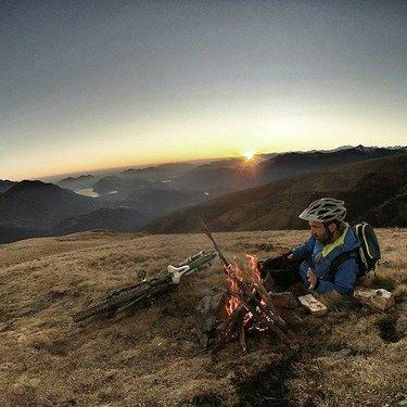 ソロキャンプ用自転車おすすめ4選!道具や装備の持ち運びにも便利なのは?