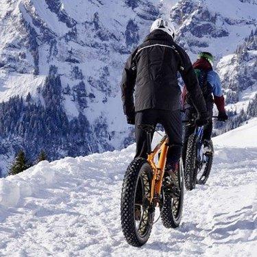 ワークマンのストレッチパンチとは?収縮するから自転車でも快適?