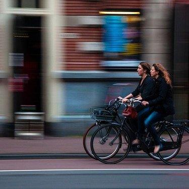 自転車のあおり運転とは?どんな行為が違反とみなされるのか具体例を紹介