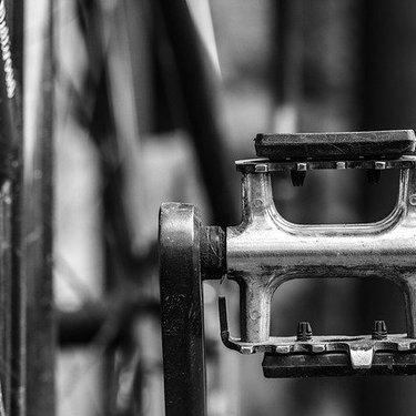 自転車のペダルが外れない!固着してしまったときの緩め方・対処方法を解説!