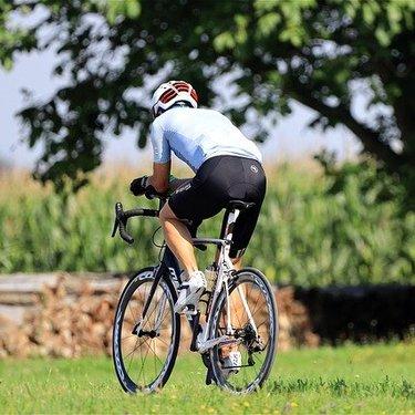 ロードバイクの振動対策!振動を抑えて疲れにくくする方法をご紹介!