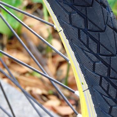 ノーパンクタイヤのメリットとは?どんな場合に実装が推奨される?