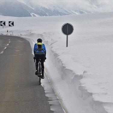 ロードバイク冬用インナーの選び方とおすすめ7選!冬のライドを快適に!