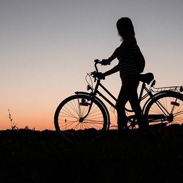 自転車の反射板は必要?取り付け方・位置など安全装置を解説