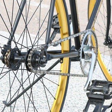 クロスバイクペダルの人気ランキング14選!おすすめメーカーや選び方も