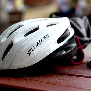 クロスバイク用ヘルメットおすすめ13選!必要性や選び方についても