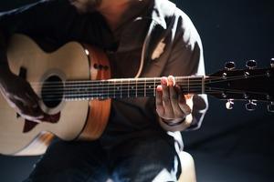 ギターの弾き語りがしたい!最速で上達する弾き語りのコツを徹底解説!