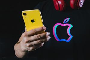 【CMソング】AppleのCMがかっこいい!各製品で使用されている曲をわかりやすくご紹介