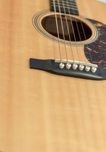 アコースティックギターを始めるなら必見!レベル別のおすすめアコギ、選び方をわかりやすく解説