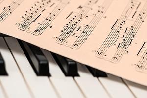 音楽用語「テヌート(tenuto)」の意味と弾き方について解説!