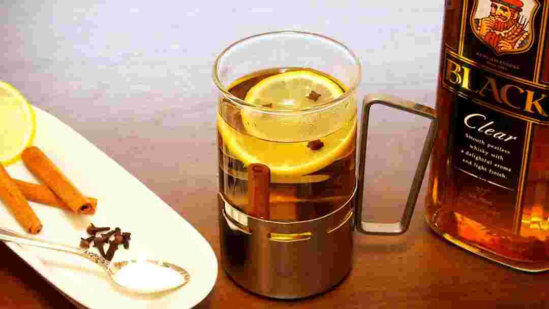 お湯 割り ウイスキー