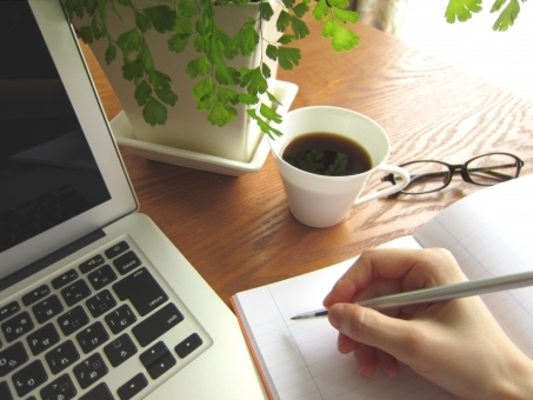 スタバでの勉強禁止が増えている理由は?勉強できるカフェを調査 | お食事ウェブマガジン「グルメノート」