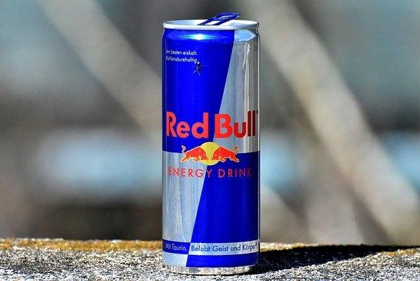 レッドブル 体 に 悪い レッドブルの本当の効果って? 飲みすぎたらどうなるの?栄養学の専門家に聞いてきた|新R25