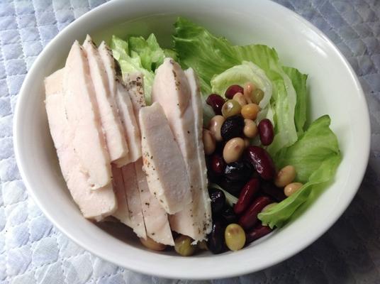 方 食べ サラダ チキン