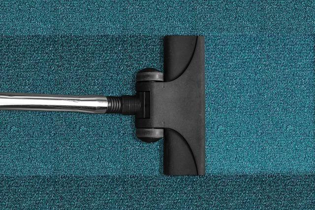 絨毯・カーペットの掃除方法!汚れやゴミを取り除く簡単なやり方とは?