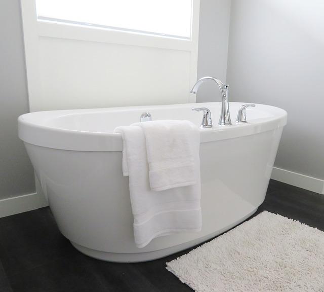 お風呂の水垢をクエン酸で落とす方法!クエン酸の上手なつけ置き方もご紹介!