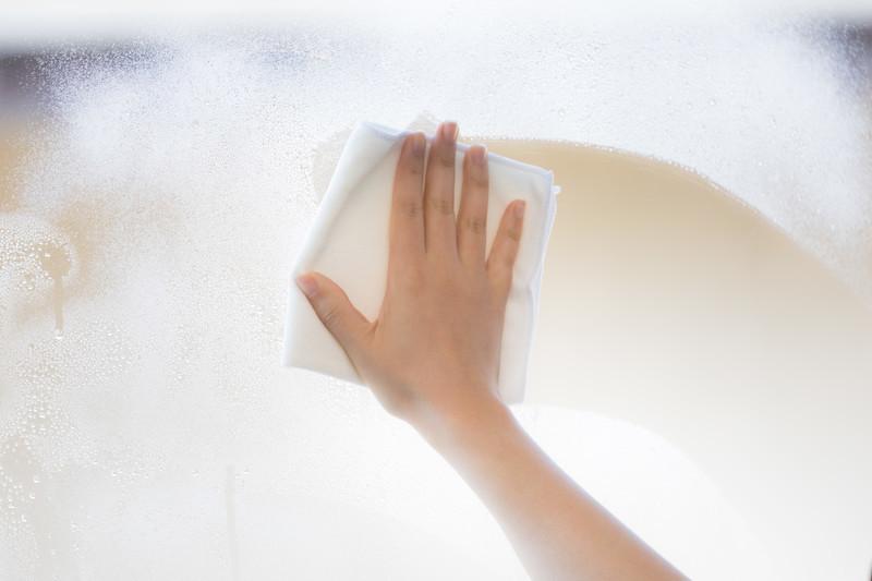 窓ガラスの結露を防ぐ8つの方法!結露の原因と対策を併せてご紹介