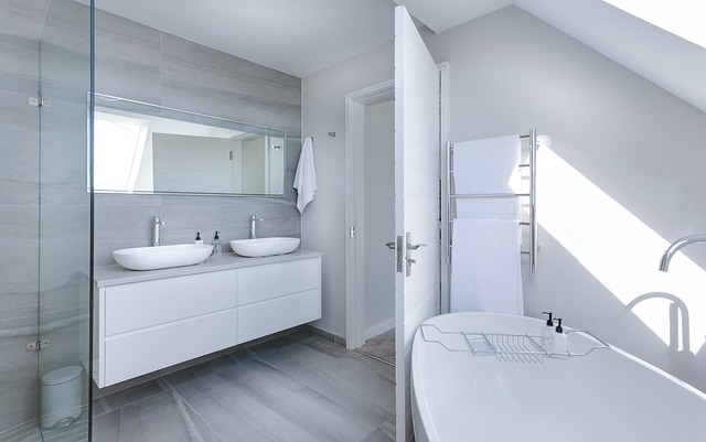 風呂・浴槽のゴム部分の黒カビを落とす方法!効率的な手順を解説!
