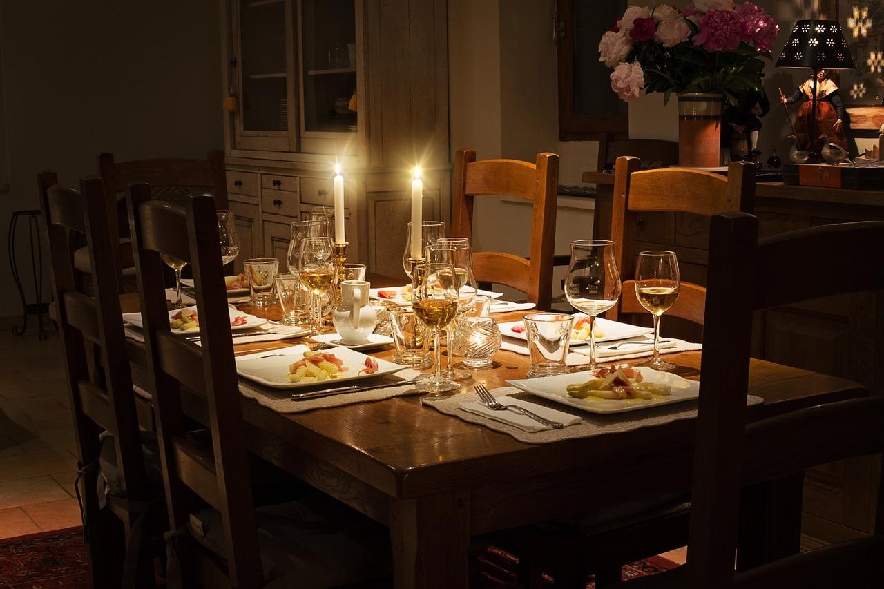 ダイニングテーブルのDIY実例11選!それぞれ作り方も簡単に解説!
