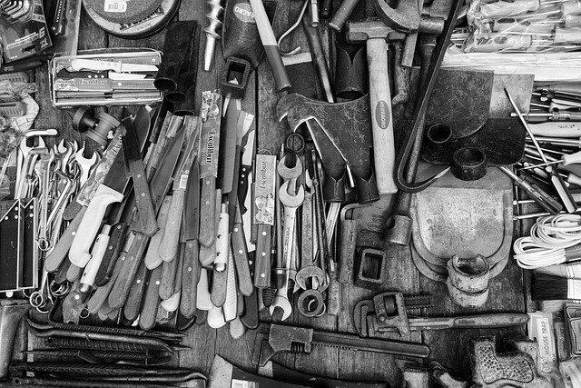 「シャー」とはどんな工具?種類・選び方や適切な使い方をご紹介!