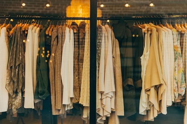着ない服は捨てる?捨てない?処分に迷う・捨てられない方への8つの整理術を解説!
