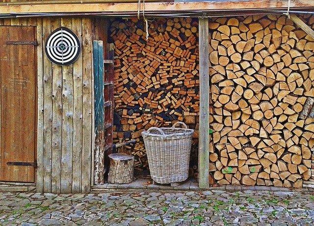 薪小屋の作り方・DIY!必要な材料から具体的な組み立て手順まで公開!