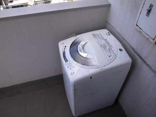 ランドリーラックのDIY!洗濯機周りの収納アイデアと自作方法を解説!
