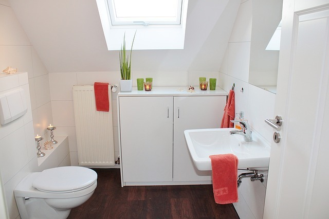 トイレの床をDIY!お洒落にするためのアイデア3選&やり方を解説!