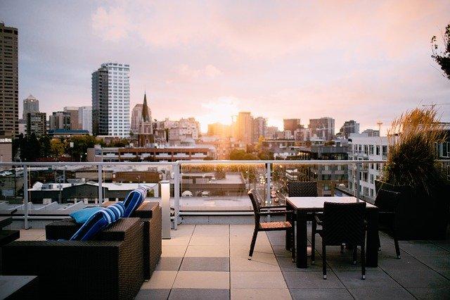 屋上庭園の作り方!メリット・デメリットはあるの?屋上の上手な活用法まで解説!